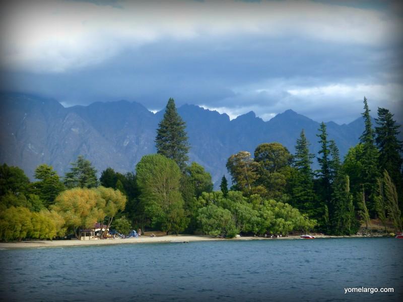 Los queenstown gardens ocultos a orillas del lago Wakatipu, Queenstown