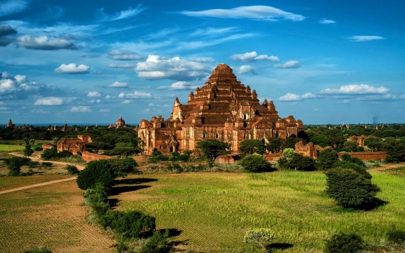 Dhammayangyi-Temple-8